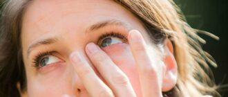 Песок в глазах, что это значит — причины, симптомы, лечение