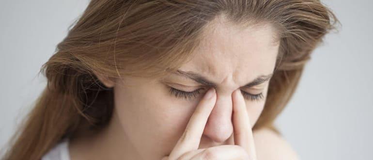 Резь в глазах — причины, симптомы и лечение